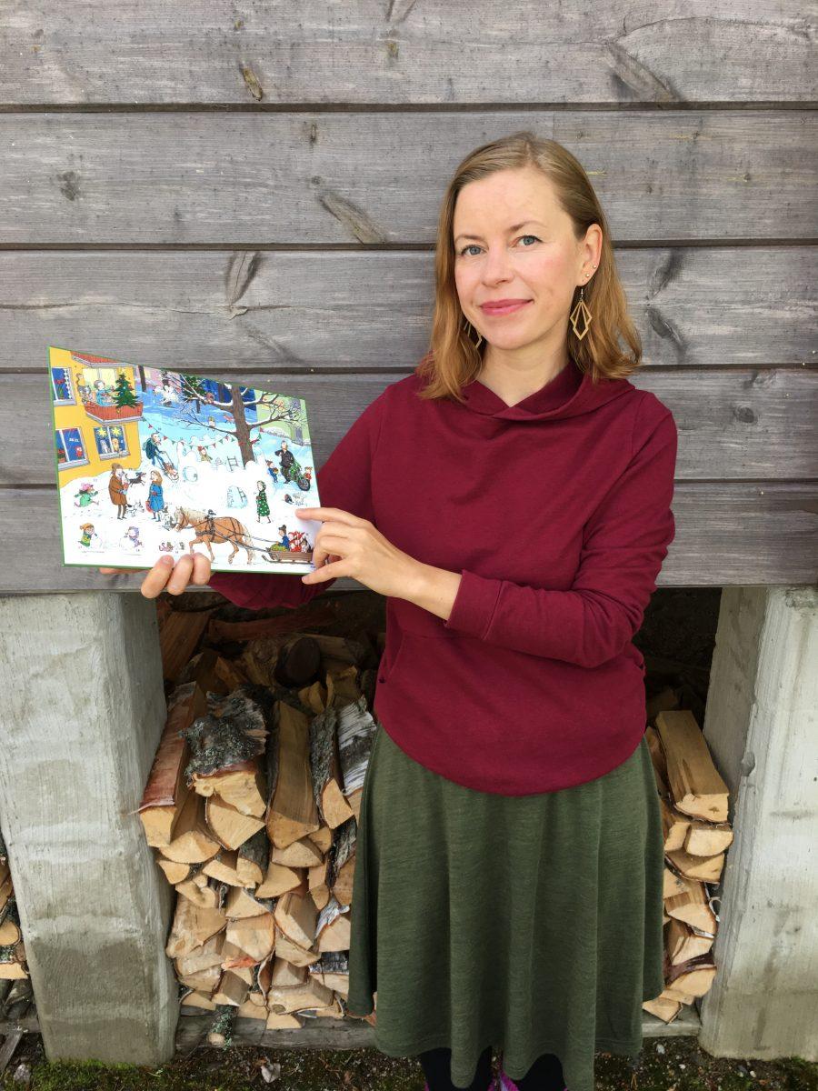 Kirjailija Anna Tommola esittelee partiolaisten adventtikalenteria 2021